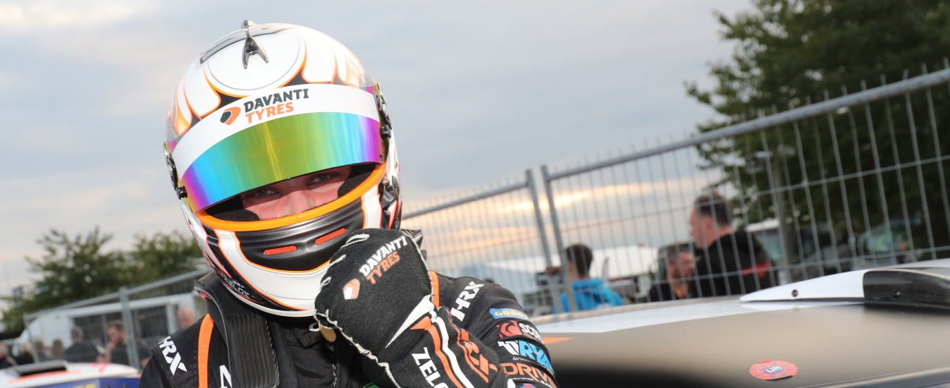 Zelos fires warning shot as Croft victory boosts Mini title drive
